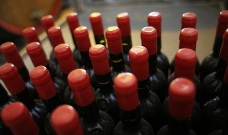 Bottiglie e gommalacca di Nicasio Ciaccio